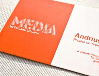 business-card_media-desk_img
